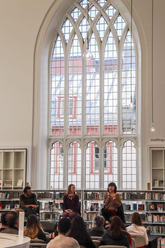 Sébastien Brunel, Alice Guéricolas-Gagné et Mélina Kerhoas expliquant les résultat de leur collecte de témoignage.